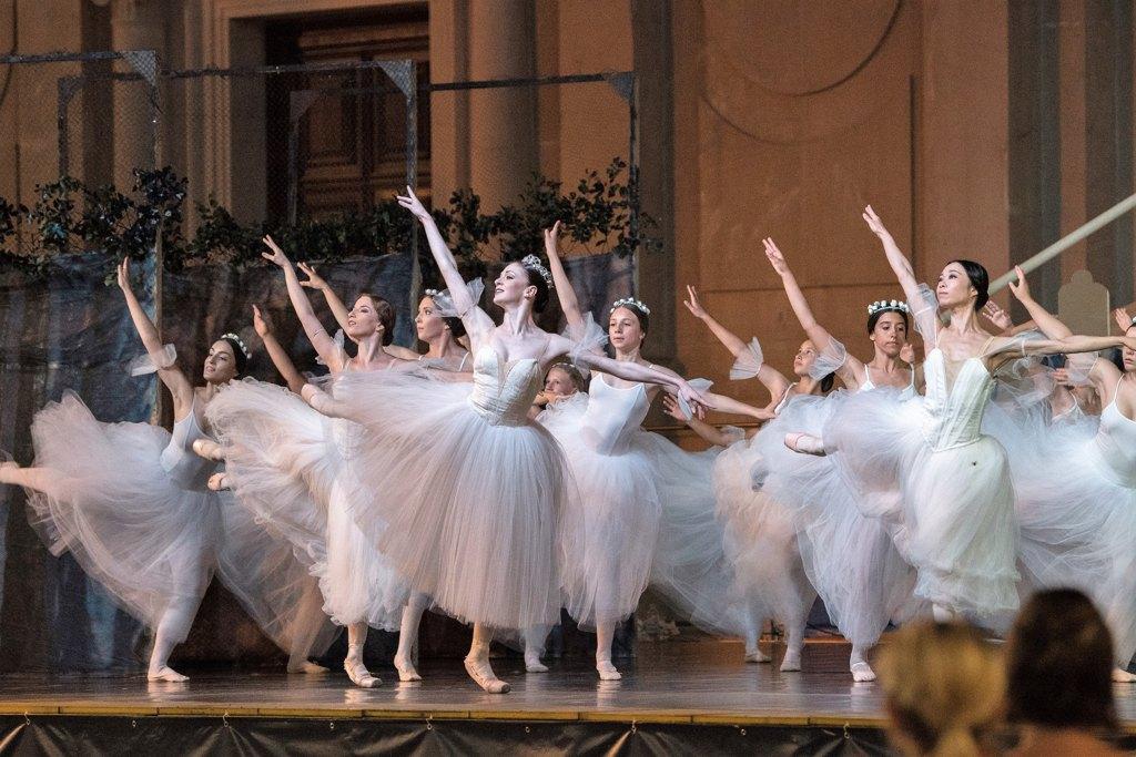 baletno druženje izlazi u minneapolis nyt