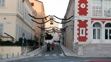 poreč ulica aldo negri dekoracija