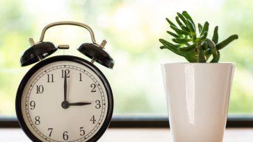 sat po,micanje kaazlji ljetno zimsko računanje vremena