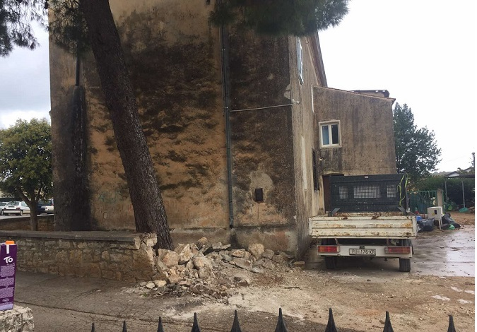 funtana Krenula obnova stare škole - Foto Tanja Kocijančić