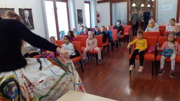 galija djeca crtaju u čast edu murtiću lisopad 2021