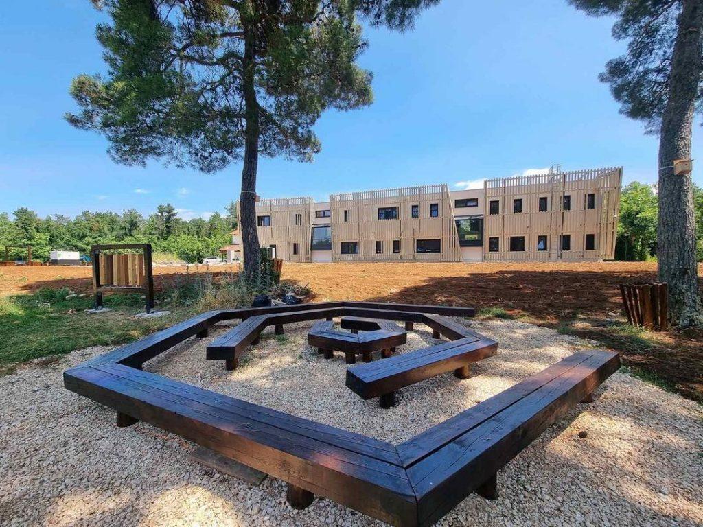 znanstveno edukacijski centar u šumi kontija