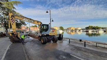 kanalizacija Otvoreno gradilište na Mandraču u Novigradu