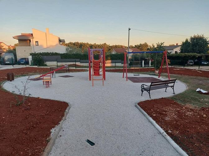 pri kraju gradnja dječjeg parka u Rogovićima