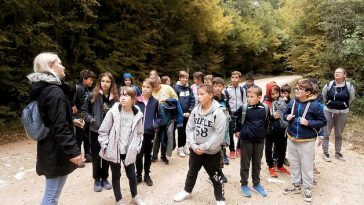 škola vrsar učenici edukativna šetnja šuma klim kontija